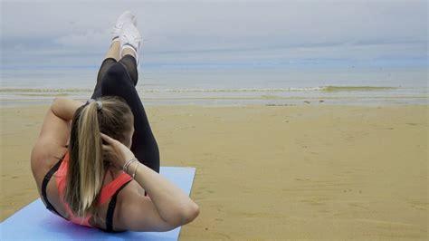 esercizi a corpo libero da fare a casa peso forma