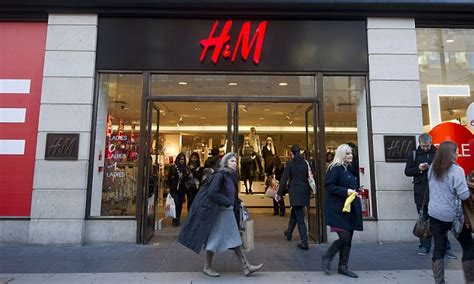 Hm Launches New Higher End Line Named Collection Of Style Cos by H M To Recycle Clothes For 163 5 Voucher As