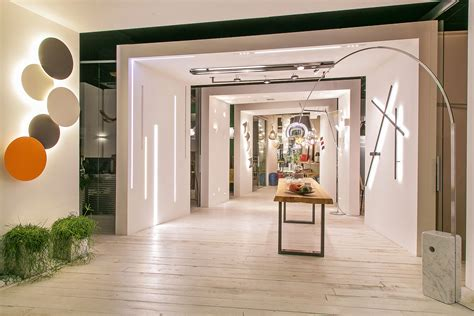 showroom illuminazione showroom che luce lighting project illuminazione