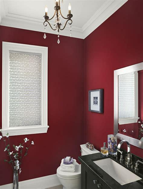 wand kronleuchter schwarz badezimmer streichen in beliebigen farbvarianten 50 ideen