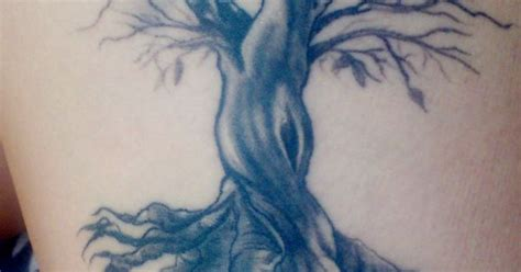 tattoo renaissance oak tree on my right thigh renaissance