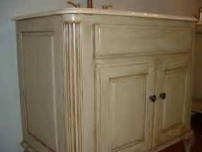 Antiquing Kitchen Cabinets With Paint by Antiquing Furniture