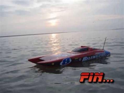 rc boats vs waves blackjack 29 blade 450x in 233 dit vol 3d film 233 par bateau