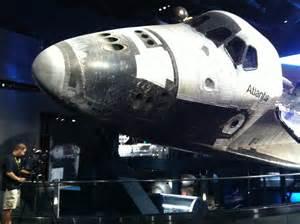 Restaurant Backyard Space Shuttle Atlantis Exhibit Draws Cheers And Tears