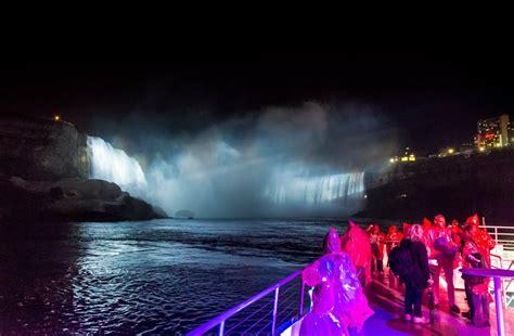 niagara falls boat tour at night niagara falls tour hornblower niagara autumn cruises