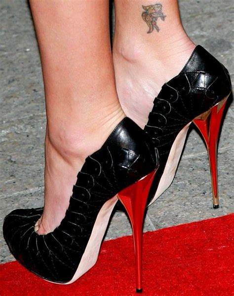 charlize theron tattoo foot and leg tattoos 17 showing their ink