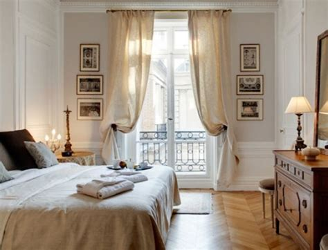 parisian bedroom 25 best ideas about paris apartment interiors on