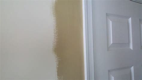 Cut In Ceiling Paint by How To Cut In Walls And Ceilings When Painting A Roomcalvert Painting