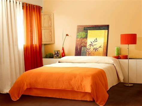 decorating ideas for small bedrooms with orange wall color