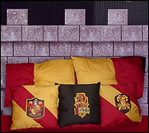 gryffindor comforter modern house plans harry potter themed bedrooms harry