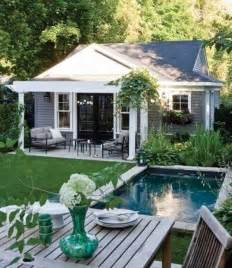 tiny pool house 25 best ideas about small pool houses on