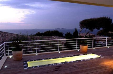 edelstahl gel nder aussentreppe terrasse design beleuchtung
