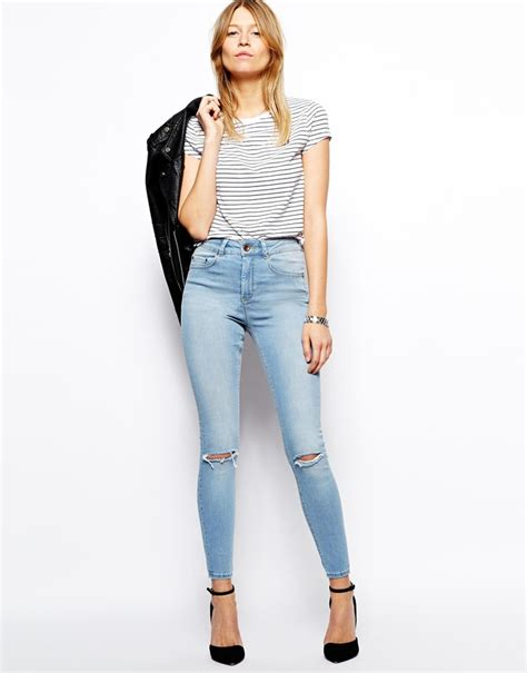 what to wear with light wash jeans light blue ripped skinny jeans asos ridley skinny ankle