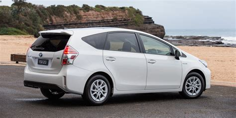 Toyota Prius V 2015 Toyota Prius V Pricing And Specifications Photos 1