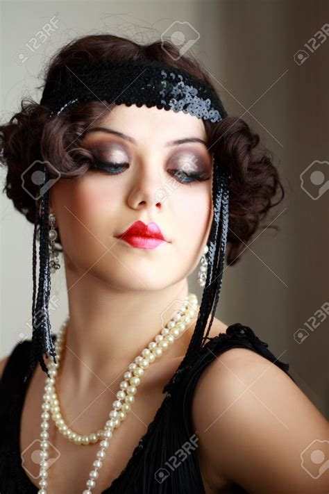 roaring 20s short hairstyle tutorial 17 best ideas about flapper makeup on pinterest 1920s