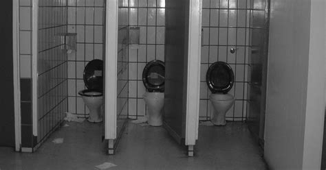 fear of using the bathroom fear of using public bathrooms 28 images fair 25