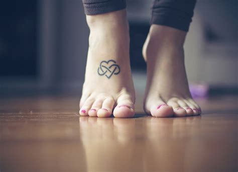 Leg Infinity 31 Infinity Designs That Will Last For A Lifetime