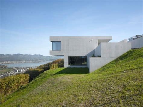 modernes haus mit minimalistischem design  hang  der