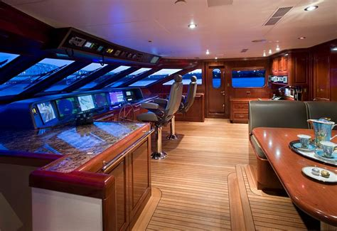 the pilot house pilot image gallery luxury yacht gallery browser