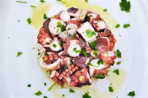 come cucinare il polpo in insalata polpo all insalata ricetta napoletana per un prelibato