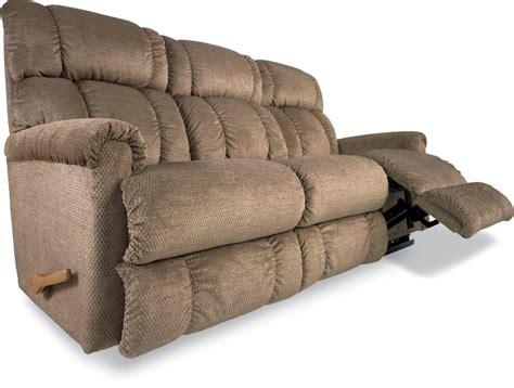 La Z Boy Reclining Sofa Reclina Way 174 Reclining Sofa By La Z Boy Wolf And Gardiner Wolf Furniture