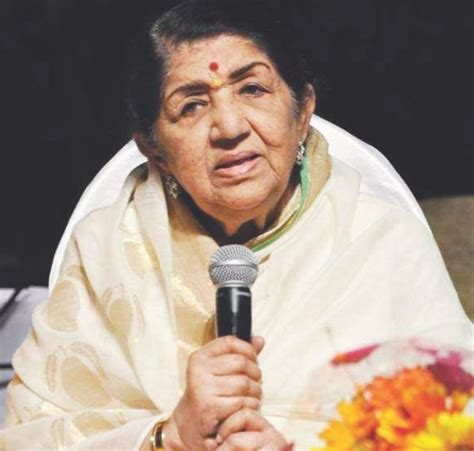lata mangeshkar biography in english lata mangeshkar the indian nightingale turns 84