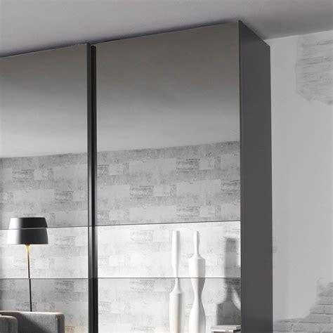 schlafzimmerschrank spiegelfront schwebet 252 renschrank spiegelfront tesoley