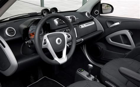 Interior Of Smart Car by 2011 Smart Fortwo Interior