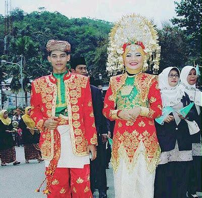 Baju Adat Lintau quot sanggar nusantara dot quot jakarta sewa baju padang adat minangkabau paket rias pengantin