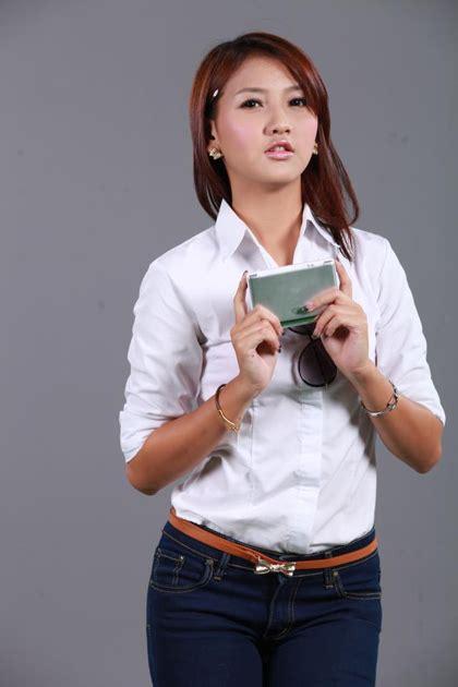 Lu 16 Set m seng lu and ads smart dictionary poses set myanmar model photosmyanmar model