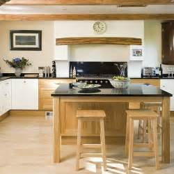 Oak Kitchen Design Ideas Classic Oak Kitchen Kitchne Design Decorating Ideas