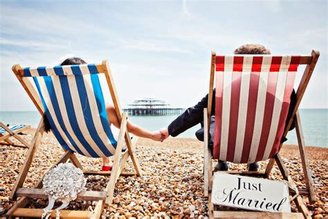 10 awesome beach themed projects for a vacation like feel ten super cool beach british seaside themed wedding