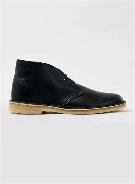 topman clarks original black leather desert boots in black