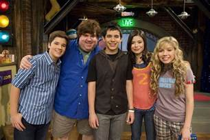 Rug Rats Characters Image Dan Schneider With The Icarly Casts Jpg