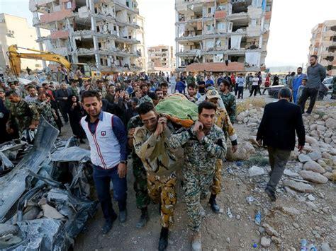 earthquake kermanshah over 400 killed thousands injured in earthquake near iran