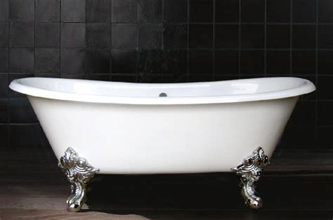 iron bathtubs cast iron tub with wide paws the homy design