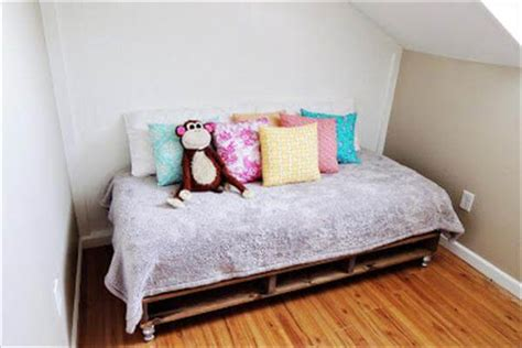 diy pallet bed tutorial bed out of recycled wooden pallets 101 pallets
