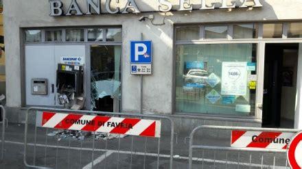 sella bancomat favria assalto al bancomat della sella in centro