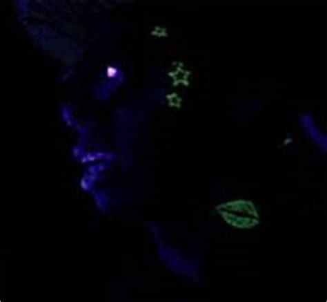lil wayne glow in the dark tattoo music video lil wayne glow in the dark tattoos www pixshark com