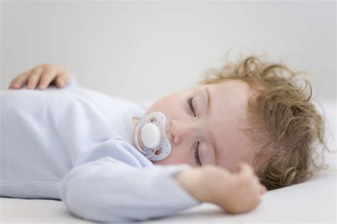 baby sleep bed the dummies guide in choosing their child s first bed