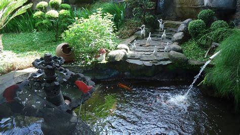 Karpet Karakter Ikan desain gambar kolam taman air rumah minimalis freewaremini