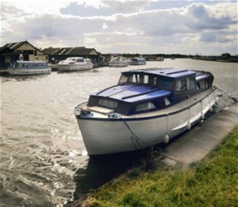 what boats need to be registered as well as boating out on vast expanses of moreton bay and