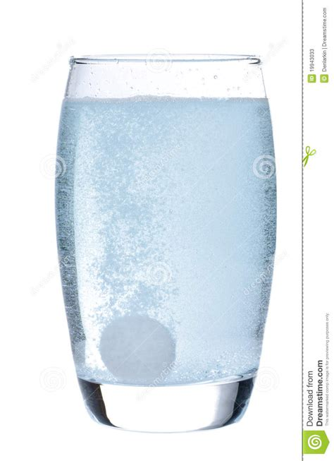 tablett glas effervescent tablet in glass with water stock image
