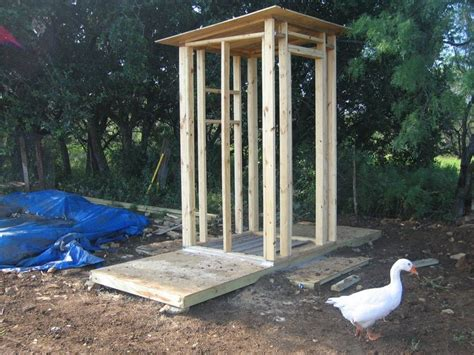 build  outhouse plans building  outhouse outhouse