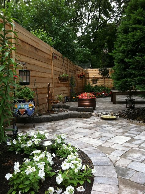 pictures of backyard gardens small backyard patio landscaping ideas