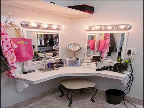 Small Home Hair Salon Ideas Bedroom Makeup Vanity Ideas Salon Decorating Ideas