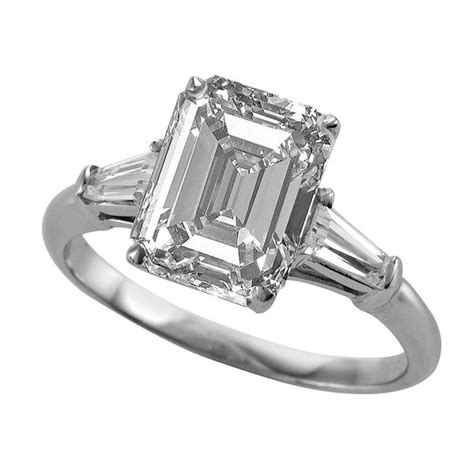 weddingrings classic emerald cut with tapered baguettes