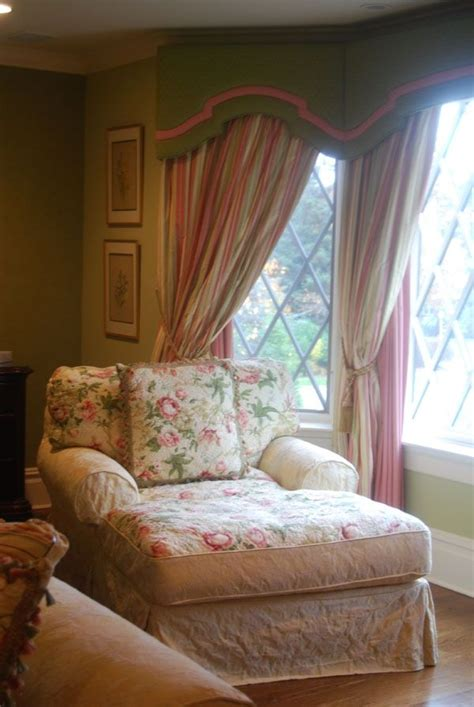 shabby chic chaise lounge i could lounge in this all day for the home pinterest
