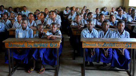 sui banchi di scuola diamo un futuro ai bambini