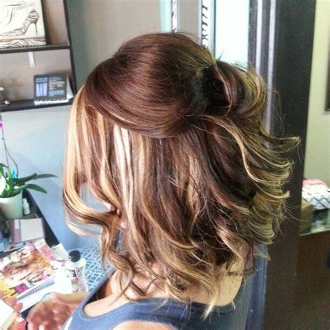 dirty blonde bob hairstyle with peek a boo highlights inverted bob haircut with ombre peek a boo hair color all